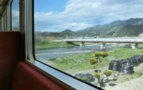 貸切りで安心。陽春の三陸鉄道の旅