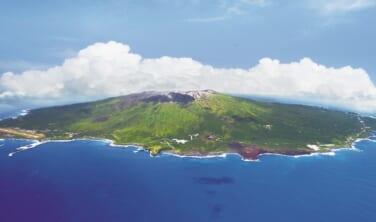「生きている地球を見に行く」近くて遠い、三宅島(インタビュー: 観光協会事務局長 谷井重夫さん)