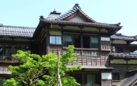歴史建築が語りかけてきます。新潟山里の名旅館「嵐渓荘」